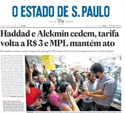 Militantes que coordinaron la movilización paulista festejan  la caída del aumento en los boletos de transporte. Miembros del Movimiento Pase Livre, a la izquierda de todos Maurico Costa presidente del Psol de Sao Paulo y dirigente de Juntos!